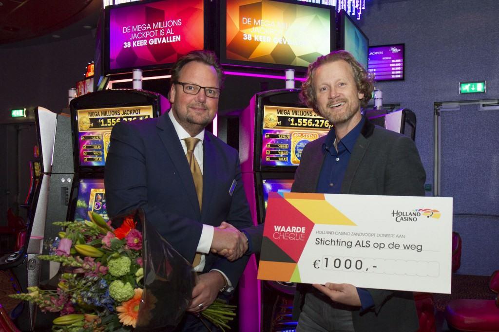 Stichting ALSopdeweg!-uitreiking Cheque Holland Casino Zandvoort april 2016