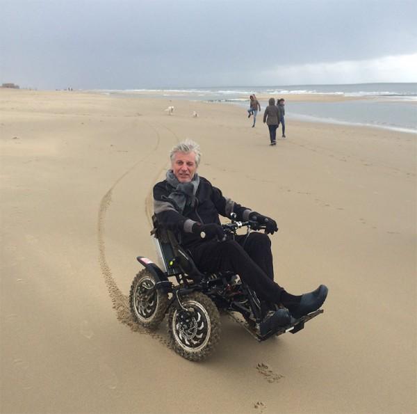 Bart op het strand met de ZOOM