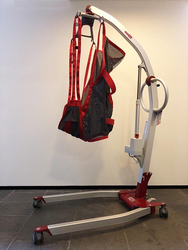 Stichting ALS op de weg - Molift Smart 150 tillift - sling hoog