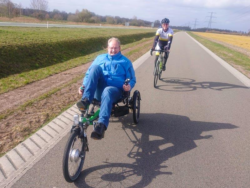 Stichting ALS op de weg - Henk Lunsing op de Hase Lepus - Elektrisch ondersteund